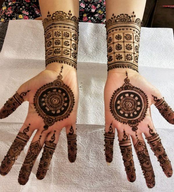 Henna tattooing