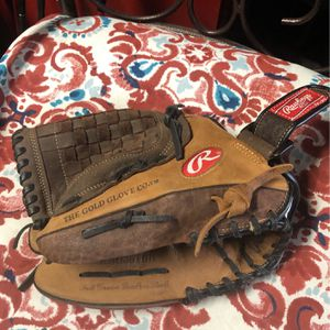 Right Handed Baseball Glove for Sale in Hayward, CA