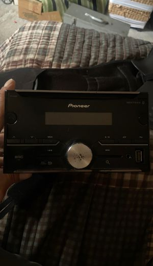 Pioneer Bluetooth Car Stereo W/Remote FH-S501BT for Sale in Canyon Country, CA