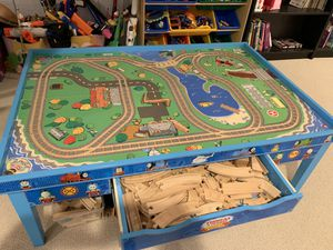 Thomas and Friends wooden railway 2 sided play table. for Sale in Devon, PA