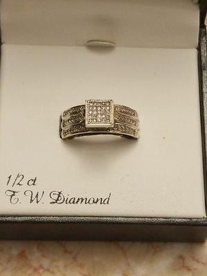 BEAUTIFUL WHITE GOLD RING WITH DAIMONDS for Sale in Fairfax, VA