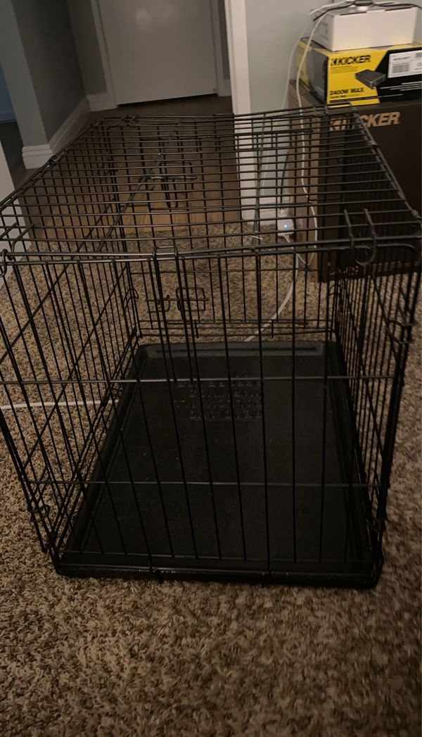 Dog crate - 24 W by 20 H