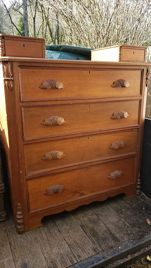 Beautiful Antique Dresser w/KEY!!!! for Sale in Bremerton, WA