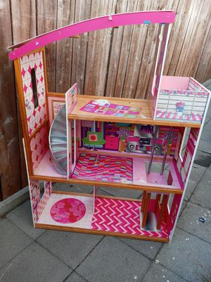 $$20$$ firm - Girls 3 Story Doll house for Sale in Inglewood, CA