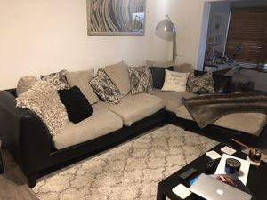 ‼️FREE FREE COUCH FREE FREE‼️ for Sale in Pompano Beach, FL