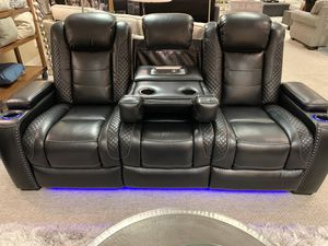 Lit Power Reclining sofa with pull out table and USA port ( Modern Home Furniture) for Sale in Bothell, WA