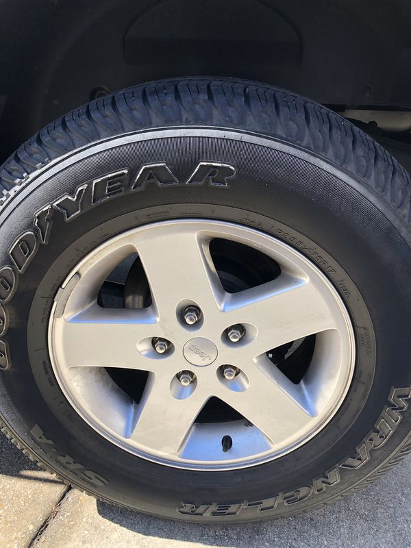 Jeep Wrangler wheels and tires 5
