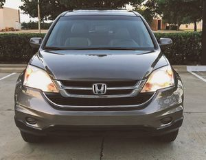 SELLING HONDA CRV 2010 AUTOMATIC TRANSMISION LOW MILES for Sale in Sterling Heights, MI