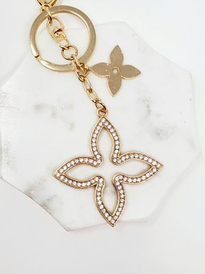Luxury bling clover keychain bag charm for Sale in Baldwin Park, CA