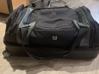 Suitcase Checked Bag Size for Sale in Portland,  OR