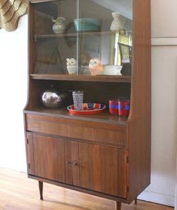 Mid Century Modern China Cabinet Hutch Shelf Unit for Sale in Tacoma,  WA