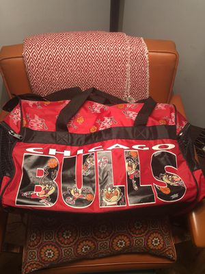 Looney Tunes x Chicago Bulls Duffle Bag for Sale in Chicago, IL