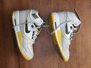 Nike air assault kids shoes size 5.5Y for Sale in Laurel, MD