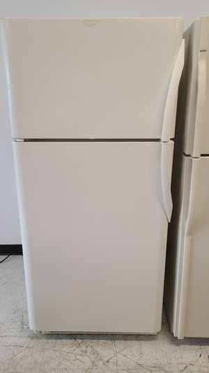 Frigidaire top freezer refrigerator used good condition with 90 days warranty for Sale in Silver Spring, MD