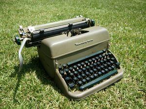 Remington Typewriter for Sale in Jonesboro, AR