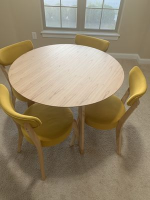 Dinning table for Sale in Dublin, OH
