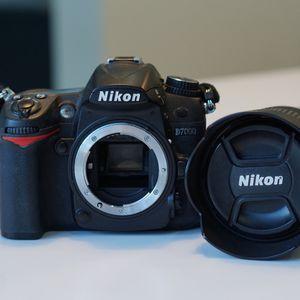 Nikon D7000 + 18-105mm DX Lens + Battery for Sale in Miami, FL