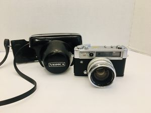 Vintage Rare 1968 Yashica Lynx-14 E 45mm Film Camera w/ Leather Pouch Case for Sale in Spring Hill, FL