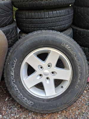 Jeep rims and tires for Sale in Vashon, WA