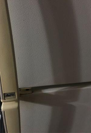 """Refrigerator"""" Amanda """",white for Sale in Darien, IL"""