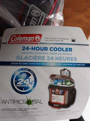 New Coleman Glacier 30 can Cooler for Sale in MIDDLEBRG HTS, OH