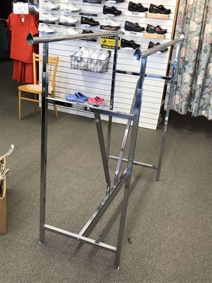 Adjustable 5' double clothing display rack for Sale in Fresno, CA