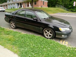 2000 lexus and elantra.1000 firm. Both run for Sale in Berlin, CT