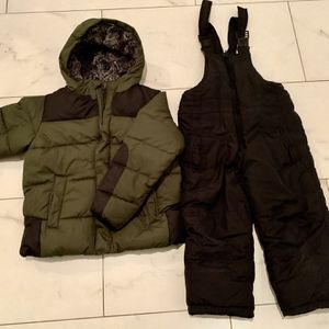 Winter Snow Suit Toddler 4-5 Size Bib / Pants And Jacket for Sale in Peoria, AZ