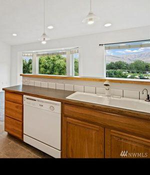 Dishwasher and Kitchen Sink for Sale in Wenatchee, WA
