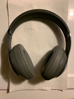 Beat studio 3s without charger for Sale in Brentwood, NY