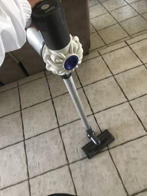 Dyson V6 Vacuum for Sale in Rancho Cucamonga, CA