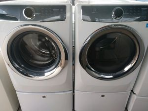 """ELECTROLUX 2017"" FRONTLOADER WITH PEDESTALS MATCHING SET WASHER AND ELECTRIC DRYER ULTRA KING SIZE CAPACITY PLUS for Sale in Phoenix, AZ"