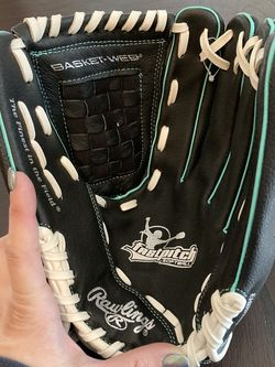 Rawlings Fast pitch /softball Glove for Sale in SeaTac,  WA