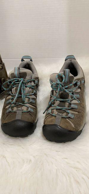 Keen women hiking shoes size 7 for Sale in Dearborn, MI