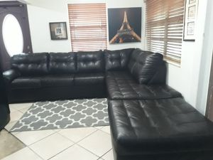 SECTIONAL LEATHER BLACK IN L.DELIVERY FREE for Sale in HALNDLE BCH, FL