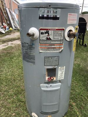 30 Gallon Water heater for Sale in Bartow, FL