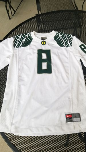 Oregon Ducks Jersey #8 for Sale in Vancouver, WA