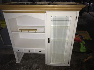 China cabinet and hutch for Sale in Grosse Pointe Park, MI