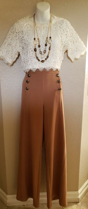 Forever 21 wide leg pants size Large. for Sale in Fontana, CA