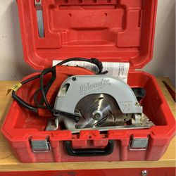 Milwaukee Circular Saw for Sale in North Ridgeville,  OH