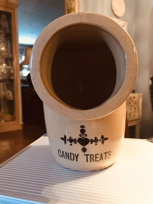 Very Unique Ceramic Candy Treats Jar (No Markings) for Sale in PA, US
