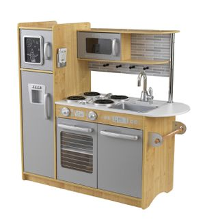 Play kitchen be win box for Sale in Burnsville, MN