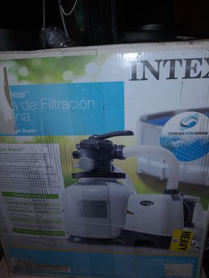 Pool pump. And filtration system for Sale in North Las Vegas, NV