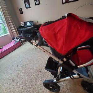 Uppababy stroller with bassinet for Sale in Columbus, OH