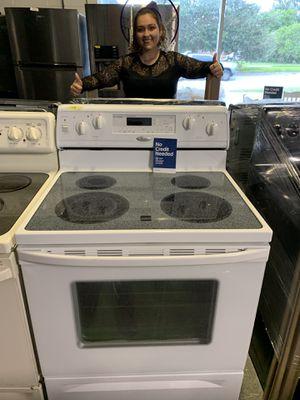 White whirlpool stove for Sale in Orlando, FL