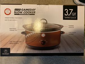 BRAND NEW household kitchen appliances SLOW COOKER for Sale in Laurel, MD