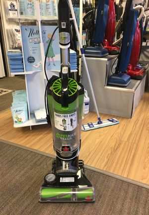 Bissell pet hair eraser refurbished vacuum cleaner for Sale in Everett, WA