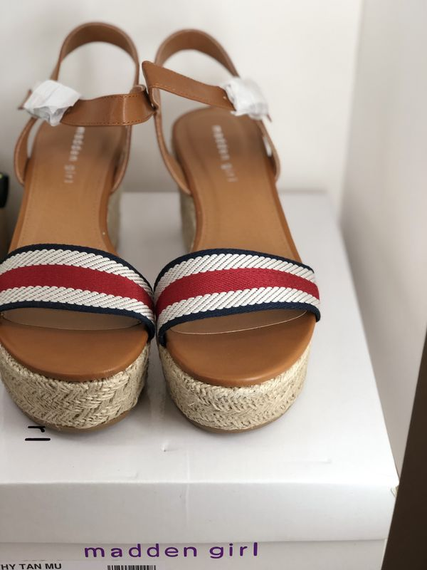 Bundle sandals size 9