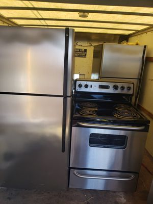 Kitchen set stainless steel appliances for Sale in Hillcrest Heights, MD