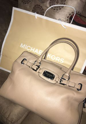 Authentic MICHAEL KORS Purse for Sale in Beaumont, CA
